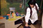 Schneewitter versucht sich als Raumpfleger bei freier Kost und Logie © OVTP / gp