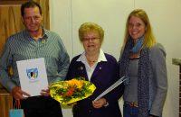 Geehrt für 25 Jahre Mitgliedschaft (v.l.) Sepp Albrecht, Rosi Zila, Claudia Herdrich - © OVTP / gp