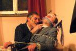 Der Wahnsinn galoppiert: Jonathan will seinen Bruder meucheln - © OVTP / mib