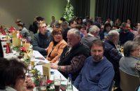 Die Mitglieder speisten gut und unterhielten sich innig. © G. Prantl