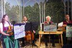 Die Saitendratzer von Herrschaft!Sait'n begleiteten, rahmten und kommentierten die Szenen mit Bayerischem, Klassischem und Liedern mit eigenen Texten. © da/ovtp