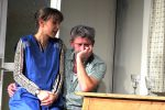 Waltraud beichtet Mann Heinz, dass sie zur Zeit ihr Geld mit der Sex-Hotline verdient. ©gp/ovtp